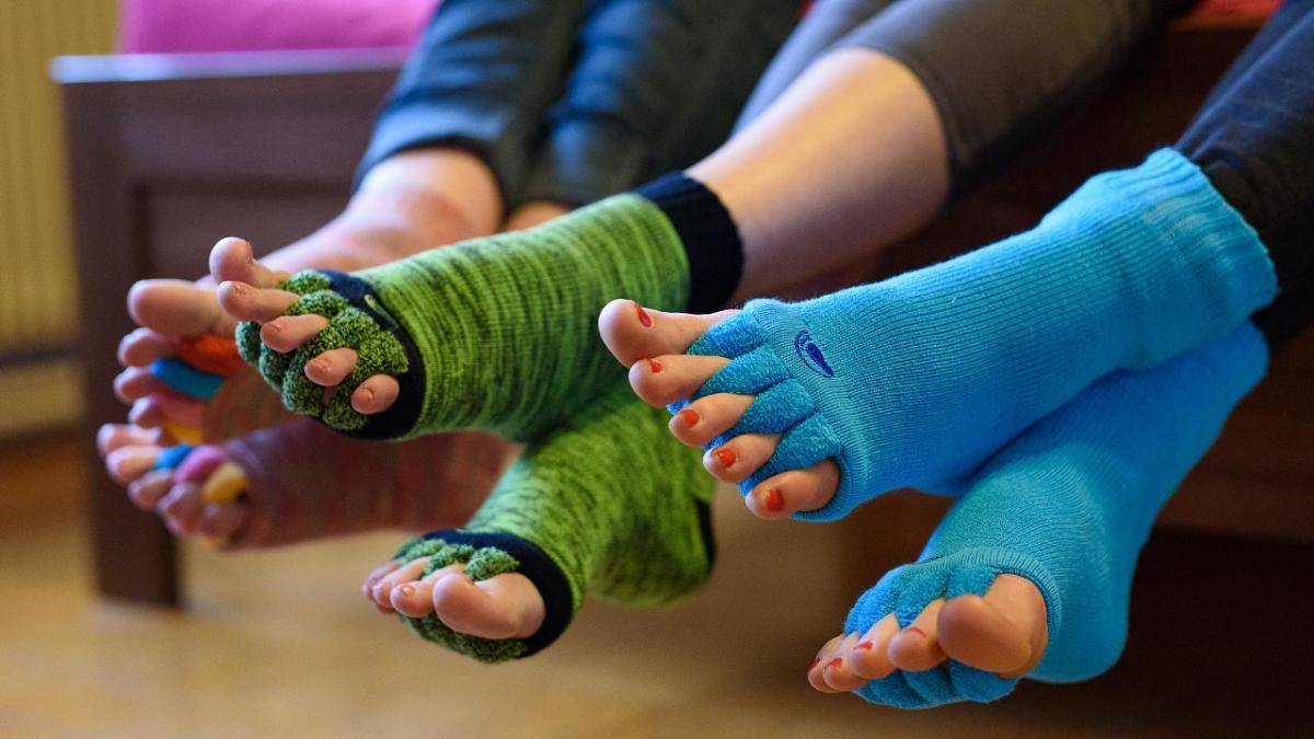 Jak léčit vbočený palec a kladívkové prsty?
